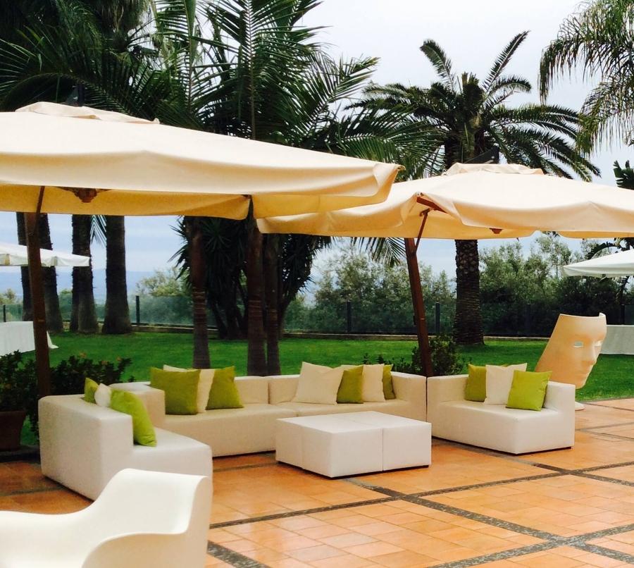 Salotto esterno idee mobili for Divani componibili