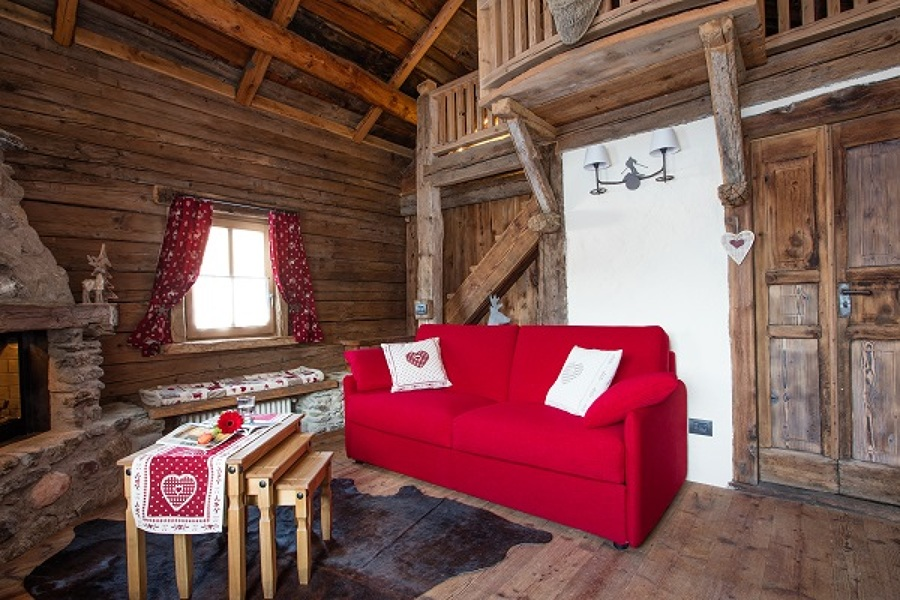 Divani e divani letto per case di montagna realizzazione for Casa in stile baita