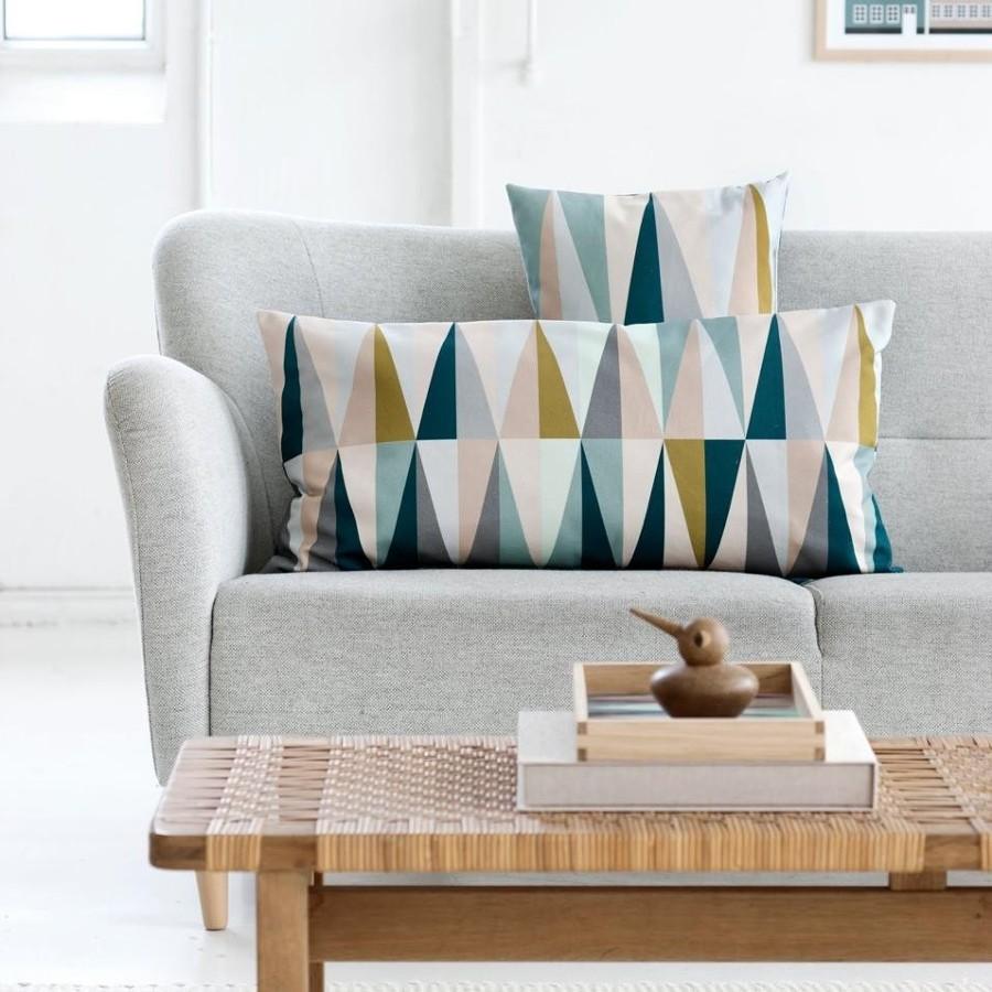 divano monolocale grigio