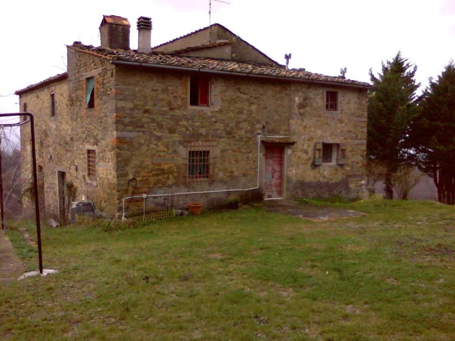 Doccia facciata principale colonica