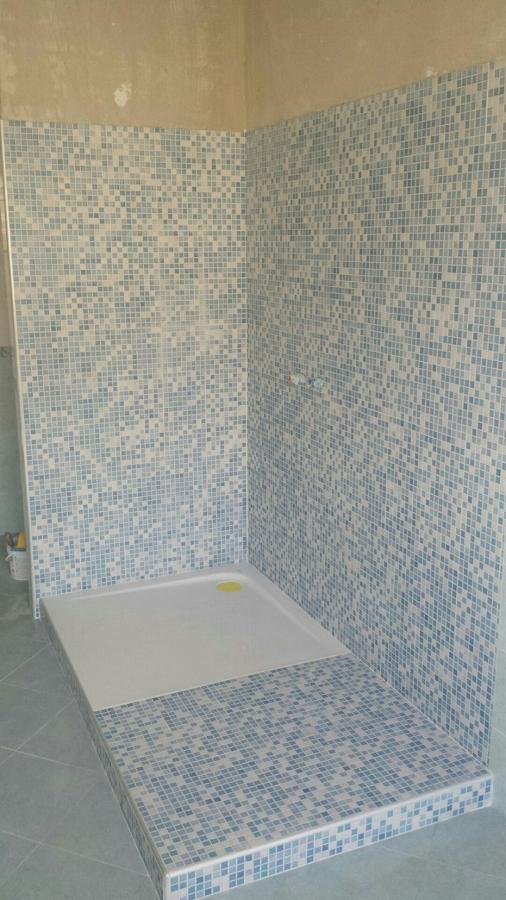 Finest doccia in vetro resina e finto mosaico with docce in mosaico - Finto mosaico bagno ...