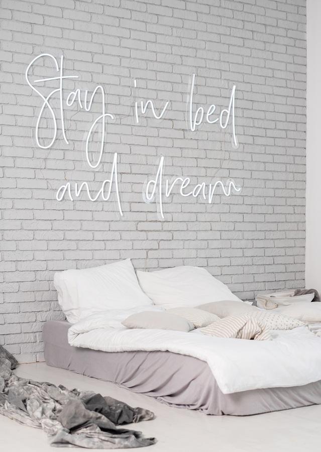 Dormire sotto un neon