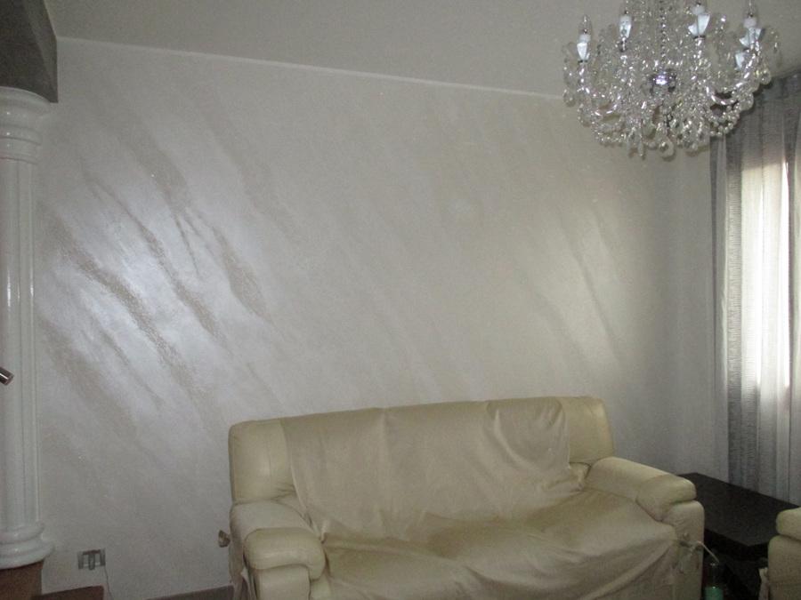 Pittura per interni effetto sabbiato excellent gallery of for Pittura per interni con brillantini