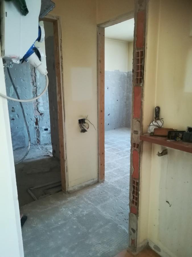 entrata bagno e cucina