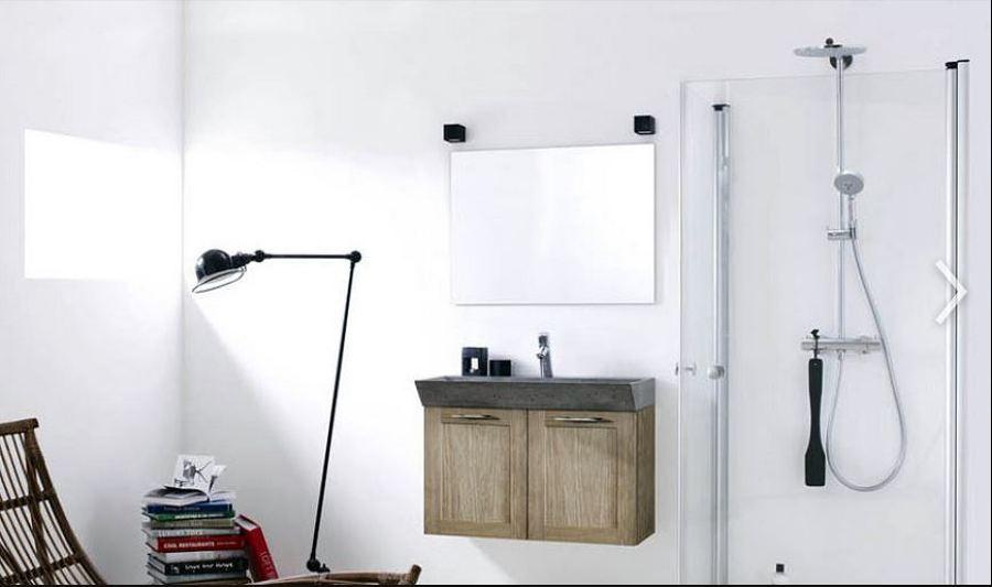 Come pulire lo specchio del bagno idee interior designer - Pulire specchio ...