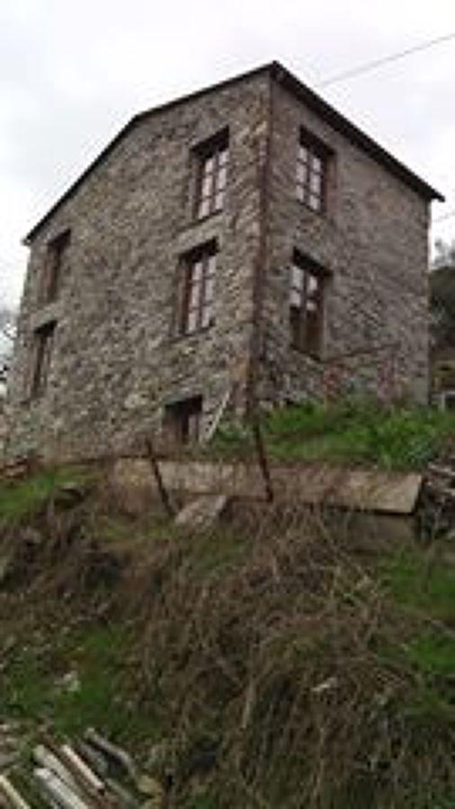 Foto facciata in pietra con stilatura dei giunti a calce - Facciata casa in pietra ...