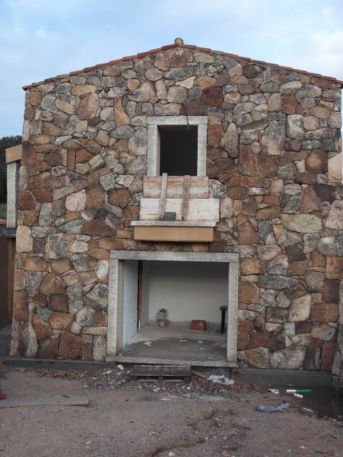 Foto facciata in pietra di campo gallurese di ditta for Facciate di case in mattoni e pietra