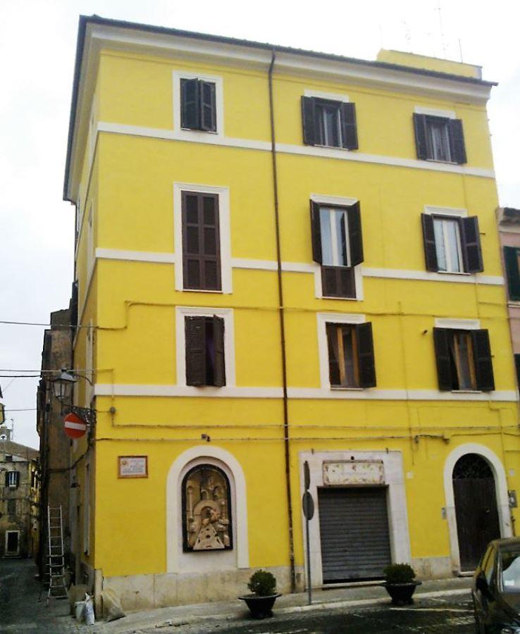 Rifacimento facciata palazzetto d 39 epoca idee - Cornicione casa ...