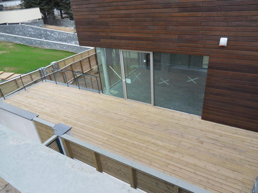Progetto realizzazioni pavimenti e facciate in legno per - Recinzione piscina legno ...