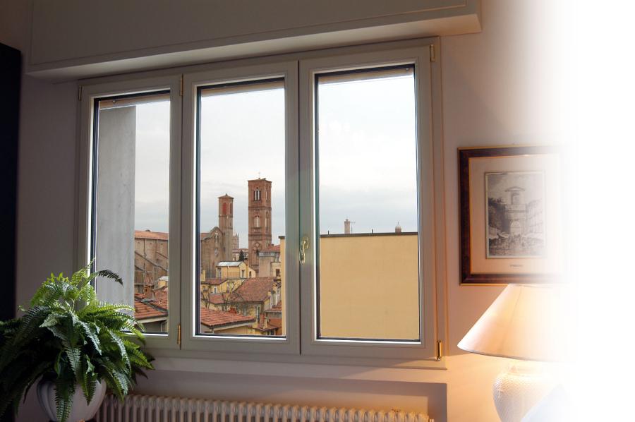 Forum consigli colori nuova camera for Infissi finestre