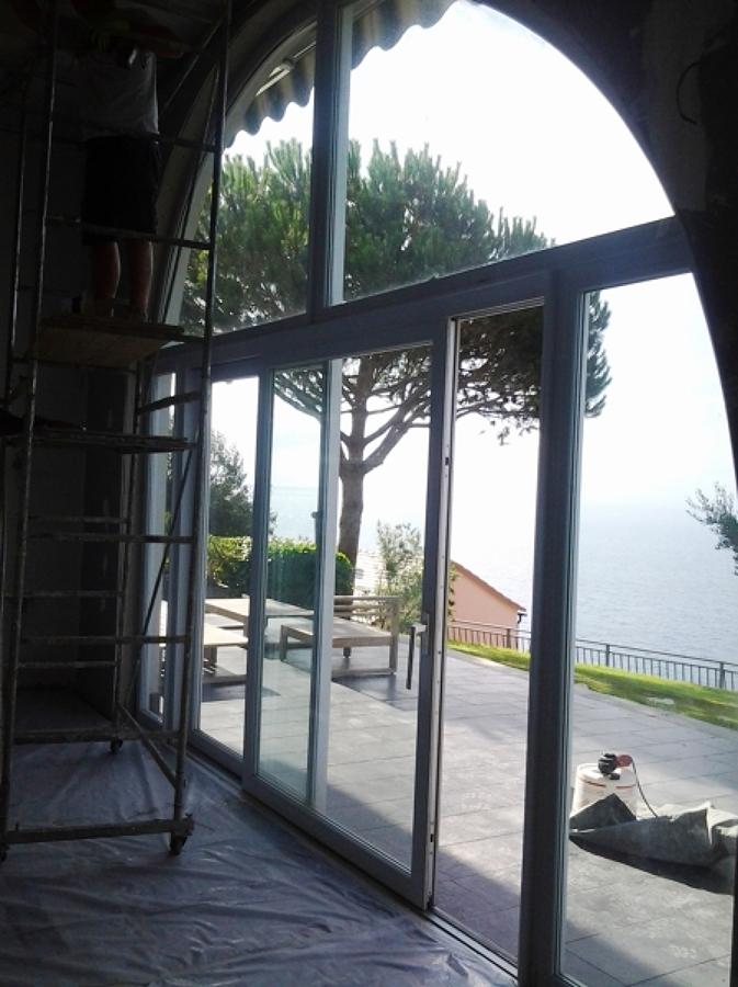 Foto finestre ad arco in pvc finstral di tigullio design - Finestre ad arco ...