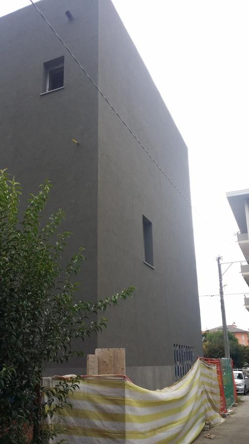Demolizione con nuova costruzione in ampliamento di for Finiture esterne per case