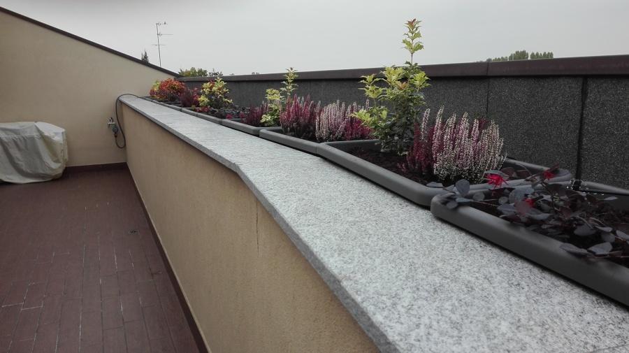 Terrazzo fiorito con impianto irrigazione idee giardinieri for Preventivo impianto irrigazione