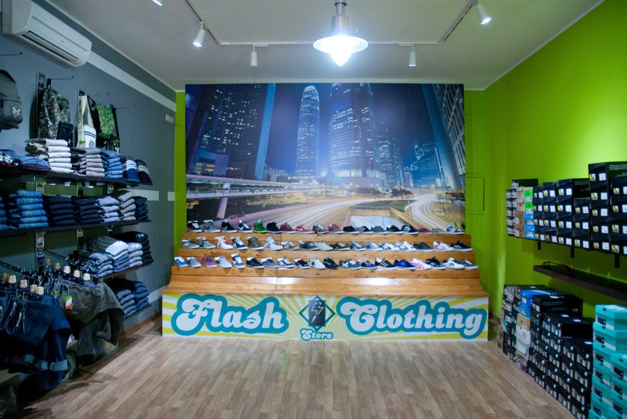 Flash Clothing Store