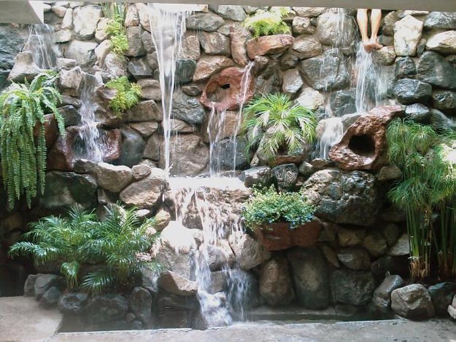 fontana con cascata
