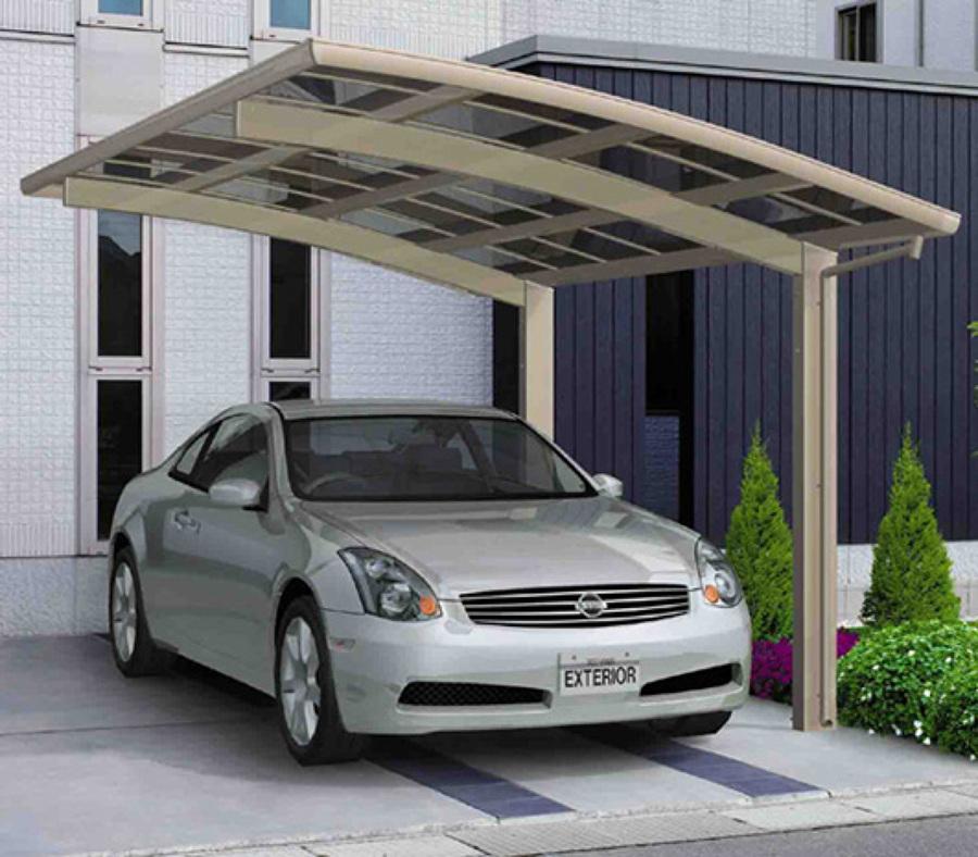 Copertura in legno per auto idee tende da sole for Due idee di garage per auto