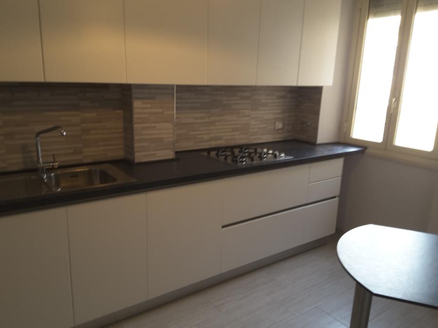 Foto: Frontale Cucina con Mobili di Cecchi Cucine di Vitorealizza ...