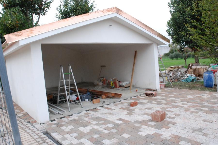 Realizzazione di garage idee architetti for Idee aggiuntive di garage allegato