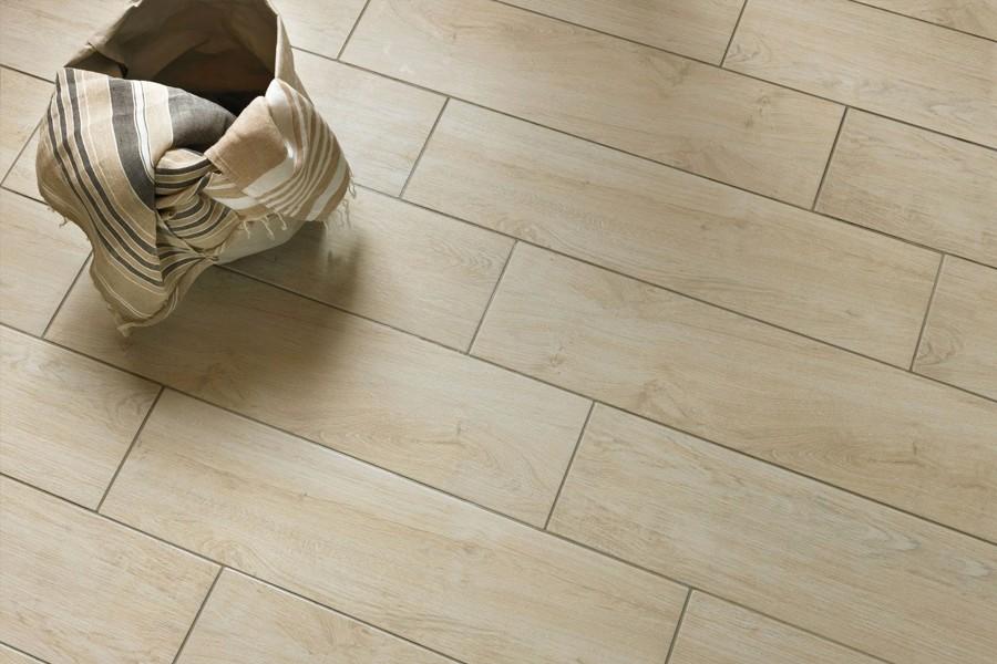 Gres effetto legno beige
