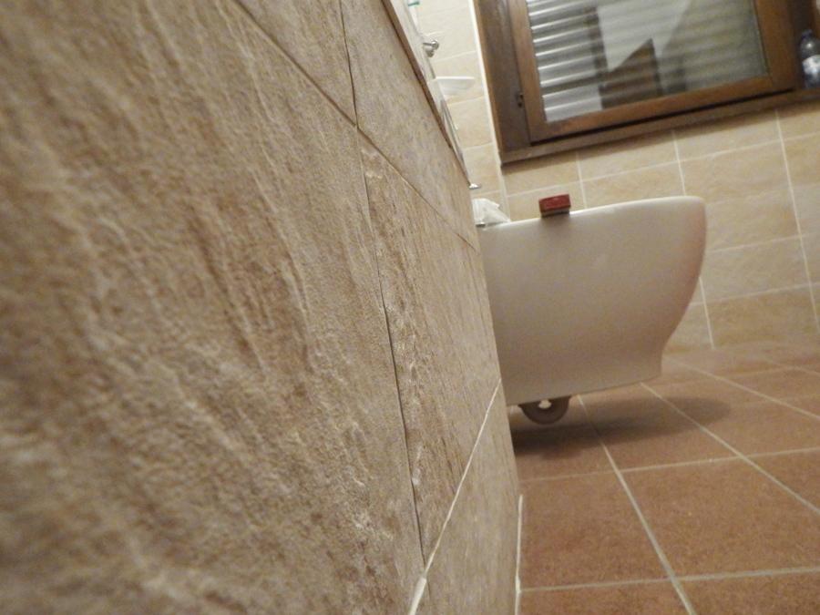Foto gres porcellanato effetto pietra di ready casa italy s r l 394846 habitissimo - Piastrelle bagno gres porcellanato ...