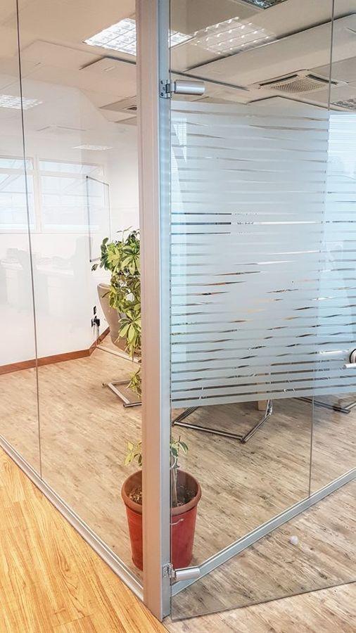 I nuovi uffici! - Un dettaglio delle pareti vetrate