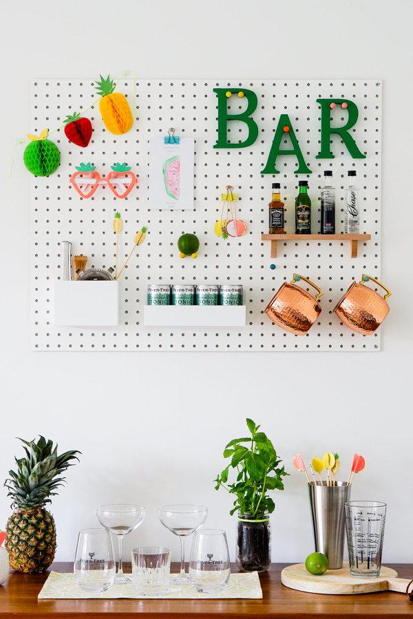 Ricava un angolo bar nel tuo salone 5 idee low cost for Idee angolo bar