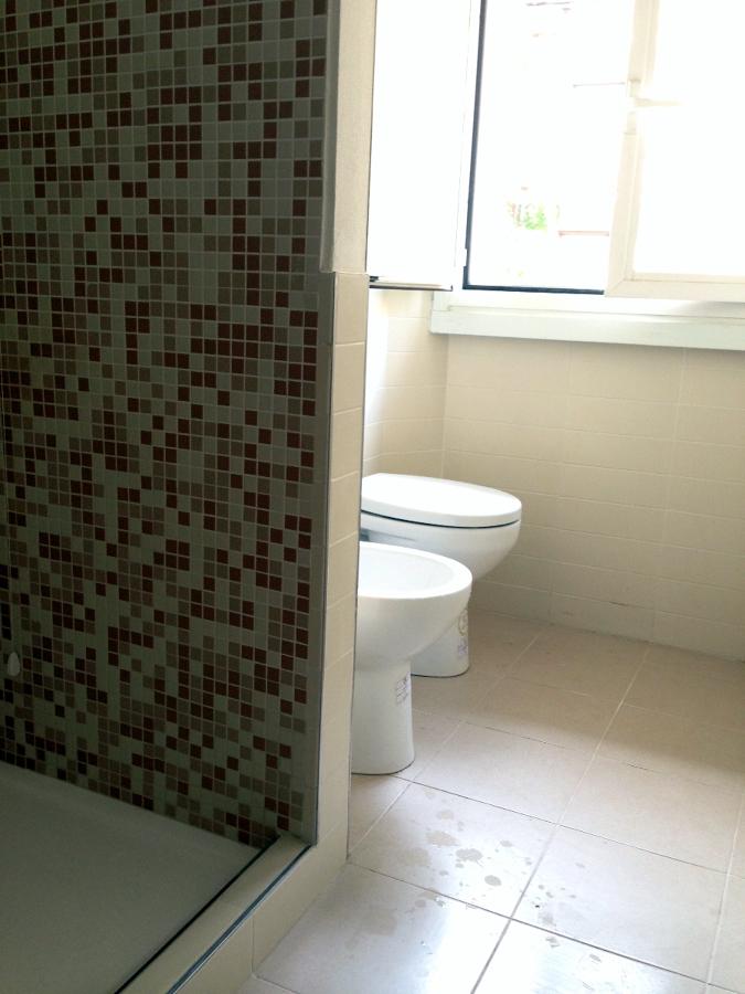 Foto il bagno finito e montato 2 de moma srl 135736 for Idea bagno trento