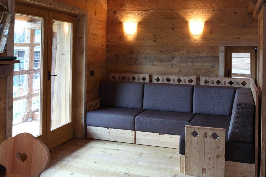 Il divano disegnato ad hoc per la zona giorno
