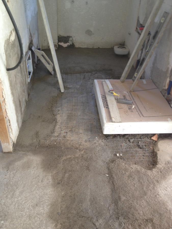 il nuovo bagno appena terminati gli impianti nuovi