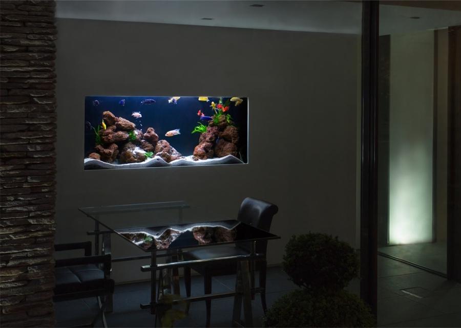Sentiti come un pesce nell acqua con un acquario in casa for Acquario arredamento