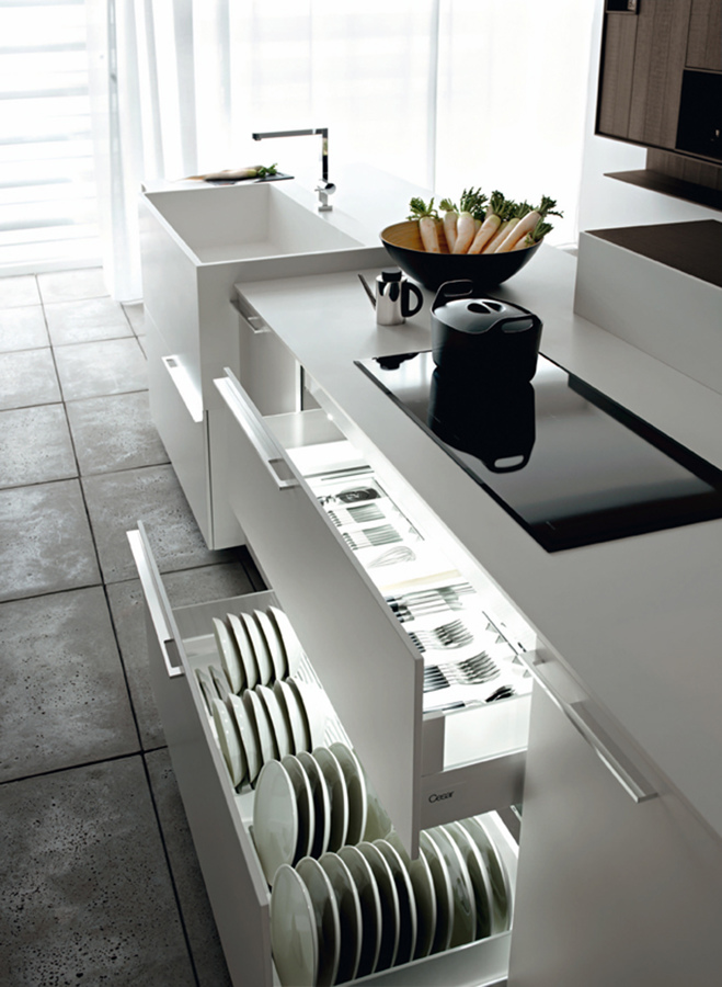 Foto: Illuminazione All\'interno Dei Mobili della Cucina di ...
