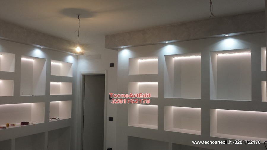 Illuminare con led fg64 regardsdefemmes - Barra led bagno ...