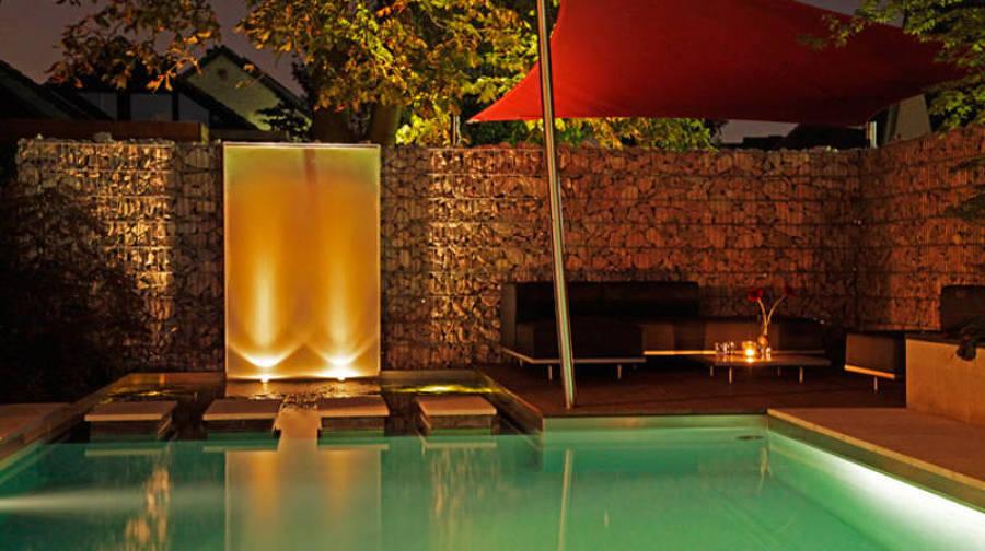 illuminazione fontane per piscine