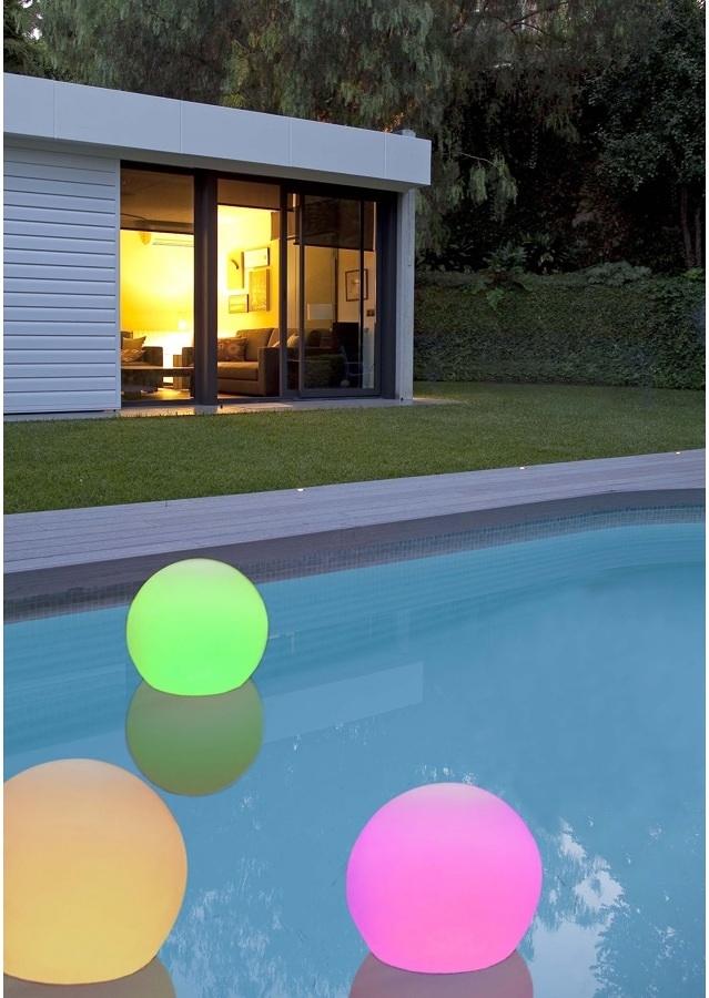 Materassini e giochi acquatici per divertirti in piscina - Materassini per piscina ...
