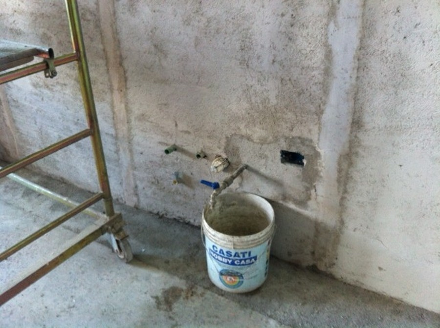impianti idrici cucina e intonacatura