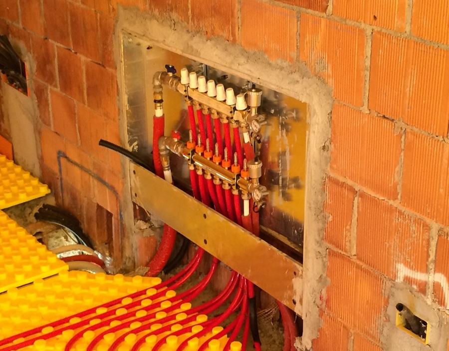 Foto impianto collettori per riscaldamento a pavimento di impreservice 394343 habitissimo - Collettori per riscaldamento a pavimento ...