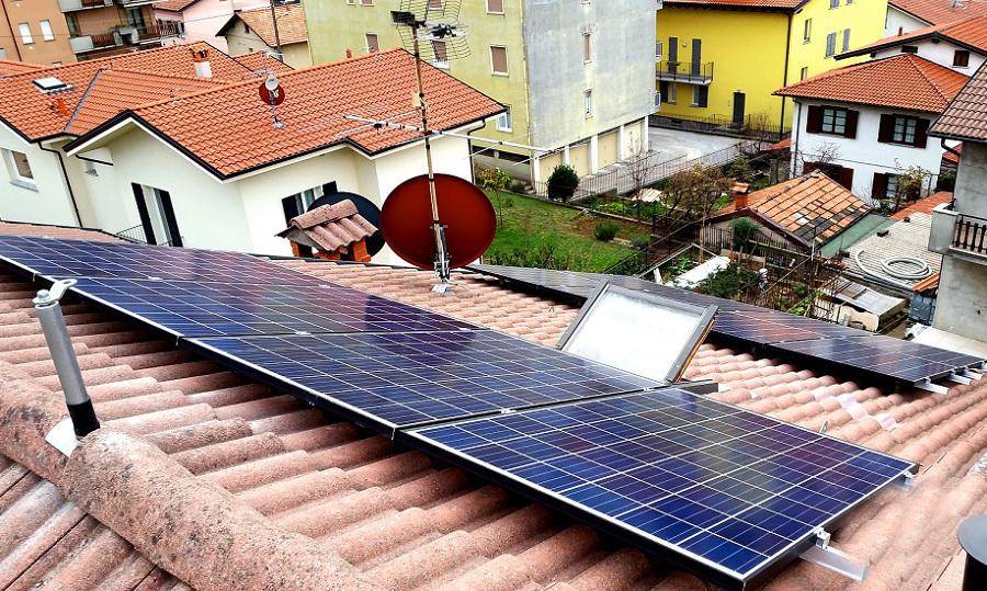 Impianto fotovoltaico e sistema anticaduta