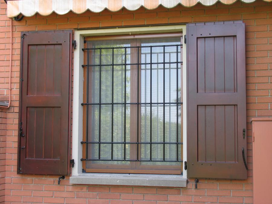 Progetto manutenzione infissi per abitazione privata - Manutenzione finestre legno ...