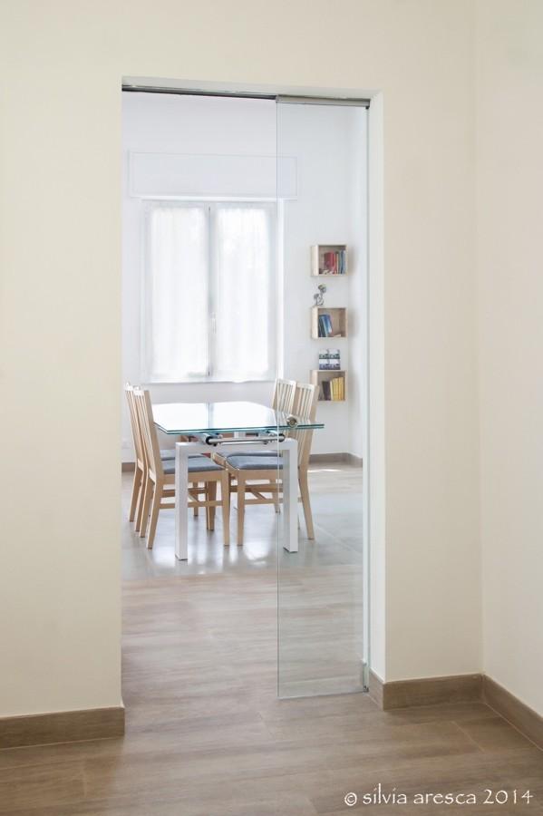 ingresso con porta scorrevole essential