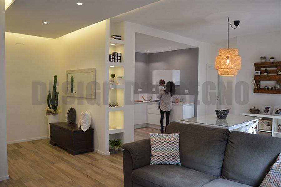 Foto: Ingresso, Soggiorno e Cucina. di Design D\'ingegno Srl #439185 ...