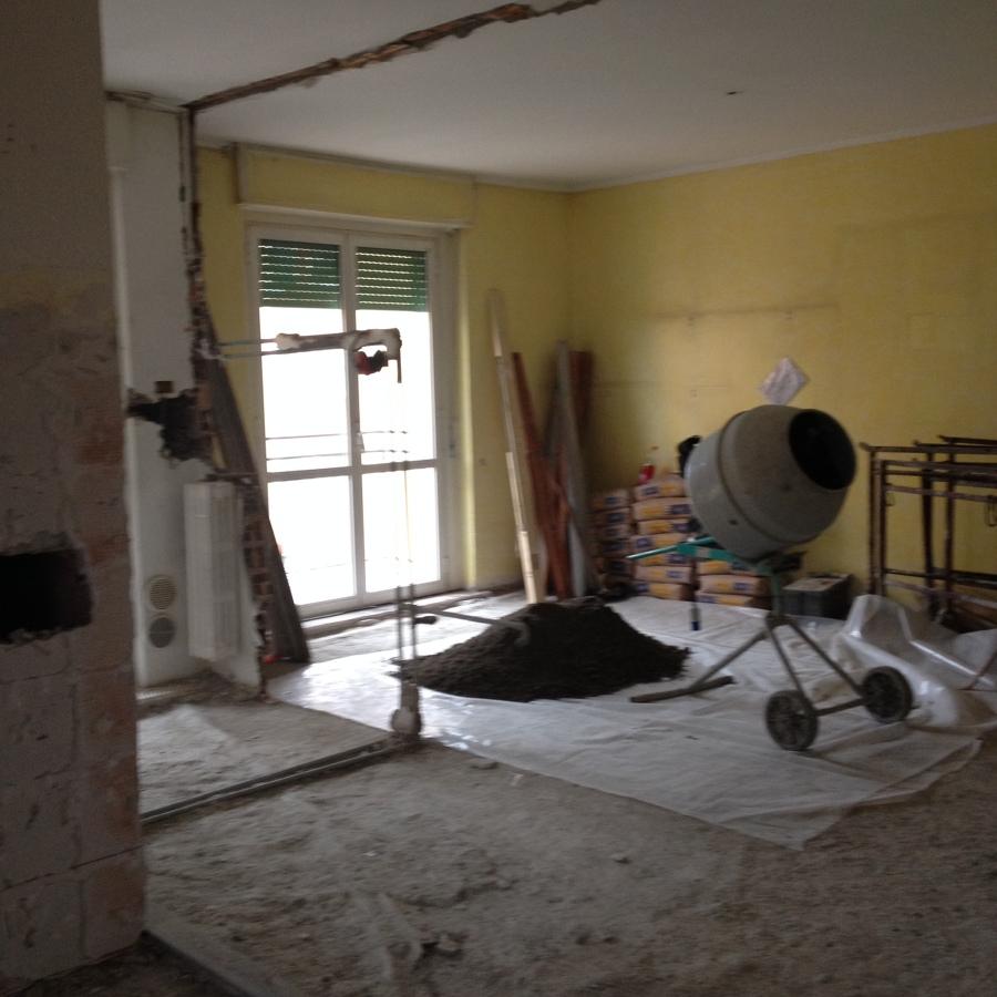 iniziano le demolizioni