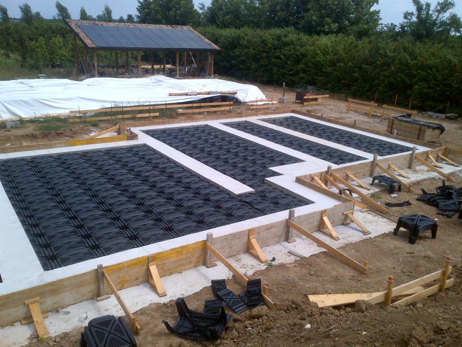 Realizzazione platee di fondazione per casa in legno e for Fondazioni per case in legno