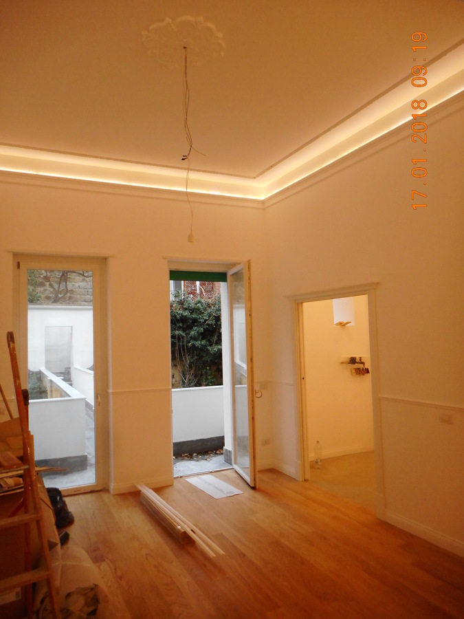 interni, appartamento, illuminazione a soffitto