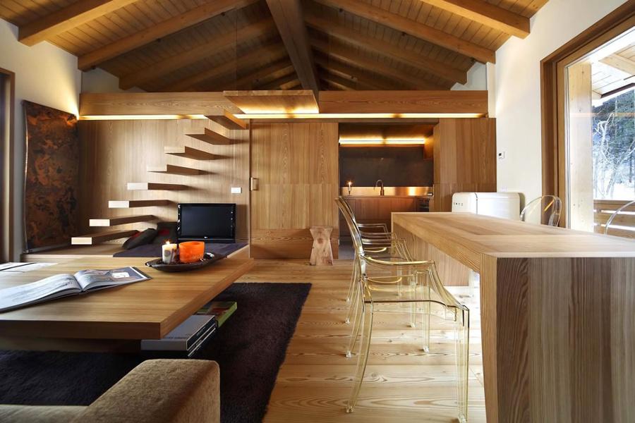 Foto interno casa in legno di lusso di marilisa dones for Case moderne interni legno