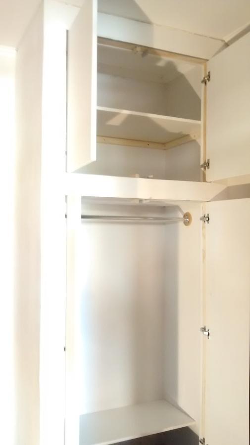 Piccola cabina armadio in cartongesso idee cartongesso for Armadio aperto