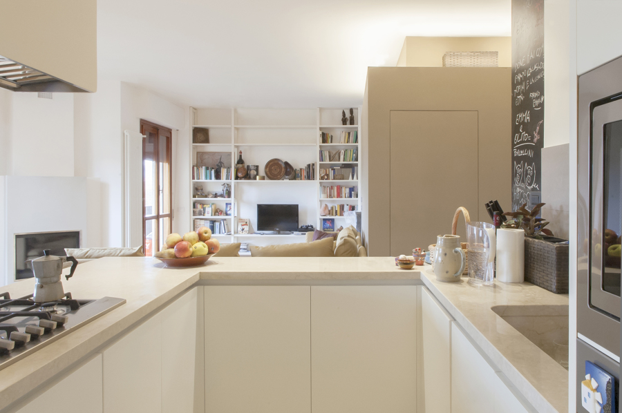 Foto la cucina soggiorno di officina abitare 487643 for Officina di cucina idee albenga