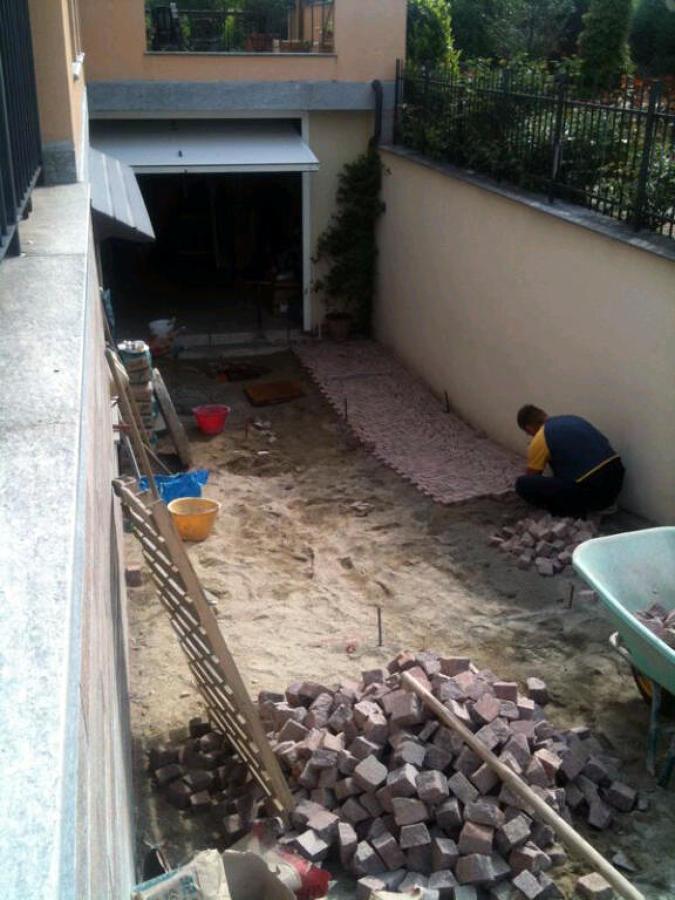 Progetto di rifacimento rampa garage idee muratori for Idee aggiuntive di garage allegato