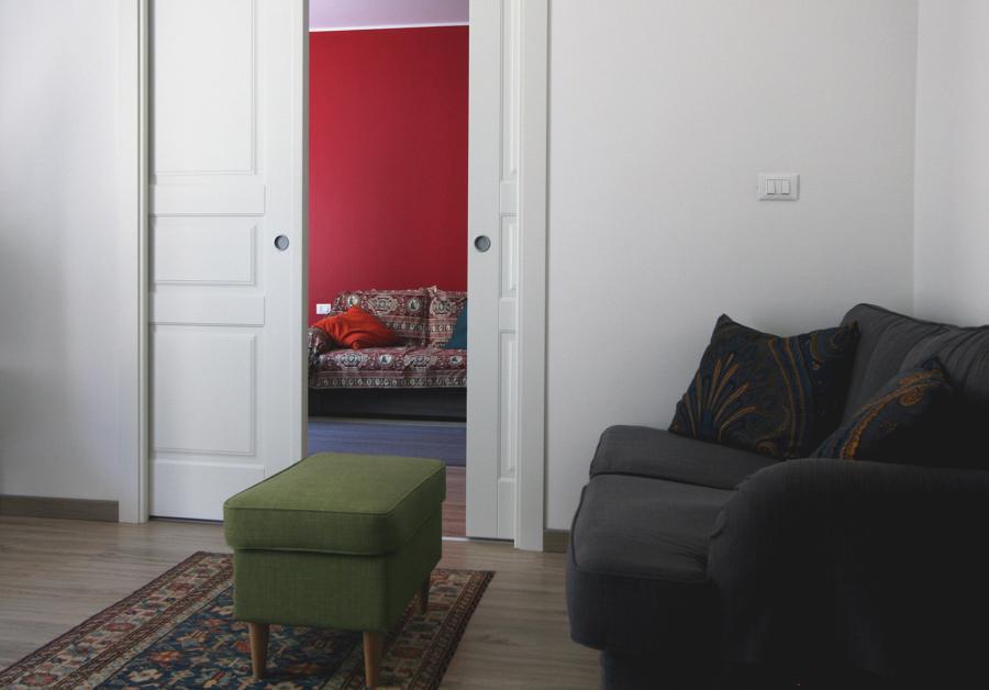 La zona studio vista dal soggiorno