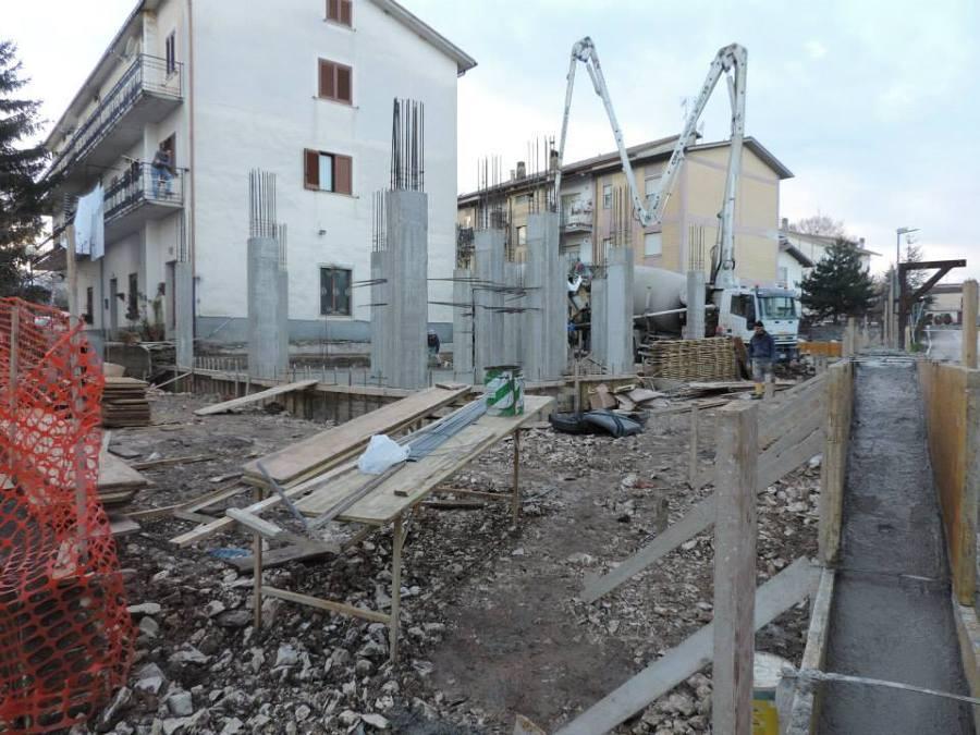 Progetto per la costruzione di fabbricato per civile for Nuove planimetrie per la costruzione di case