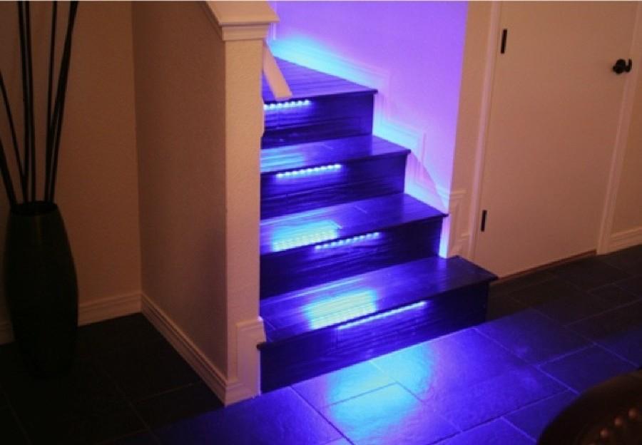 LED lungo le scale